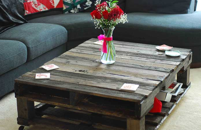 A Pallet Coffee Table-min