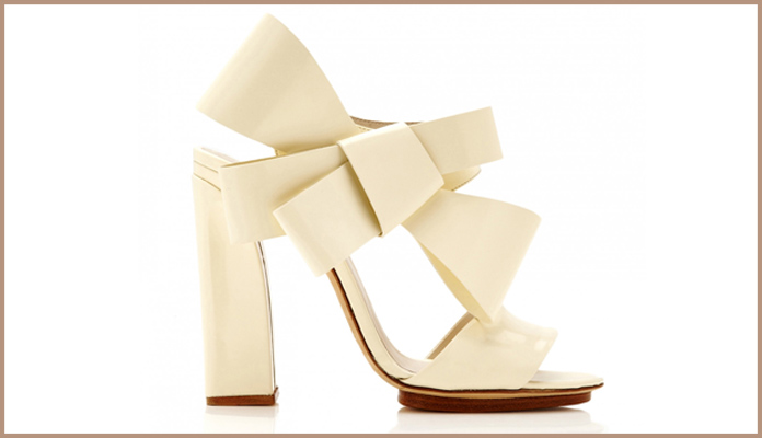 Plain White Bridal Shoes with an Elegant Bow