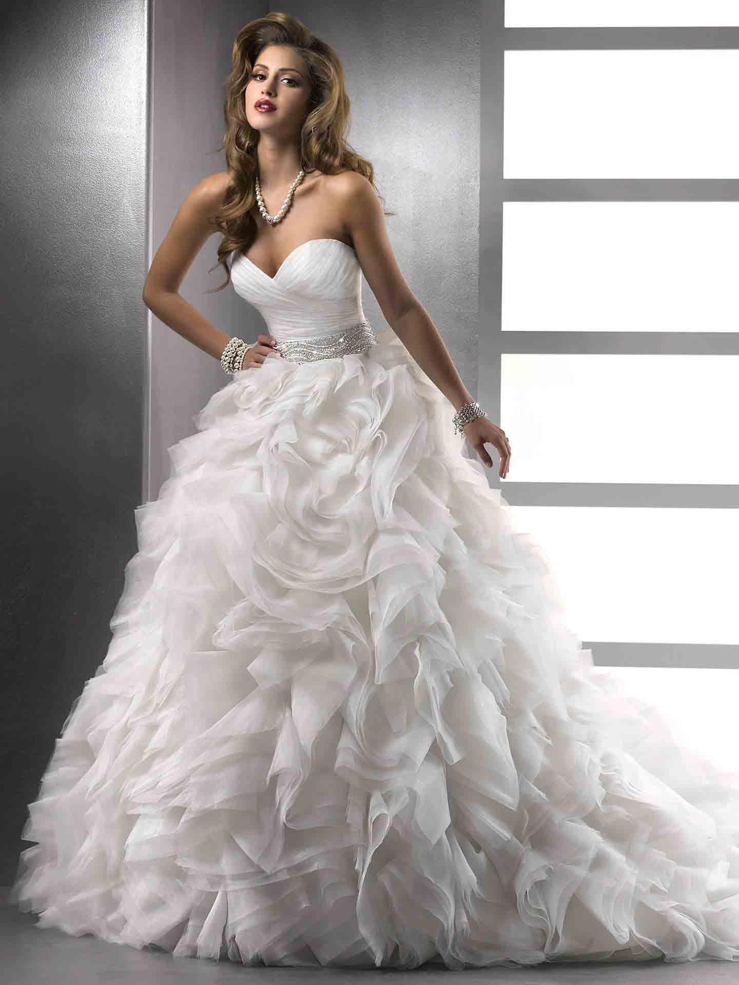 Romantic Ruffled Wedding Gown