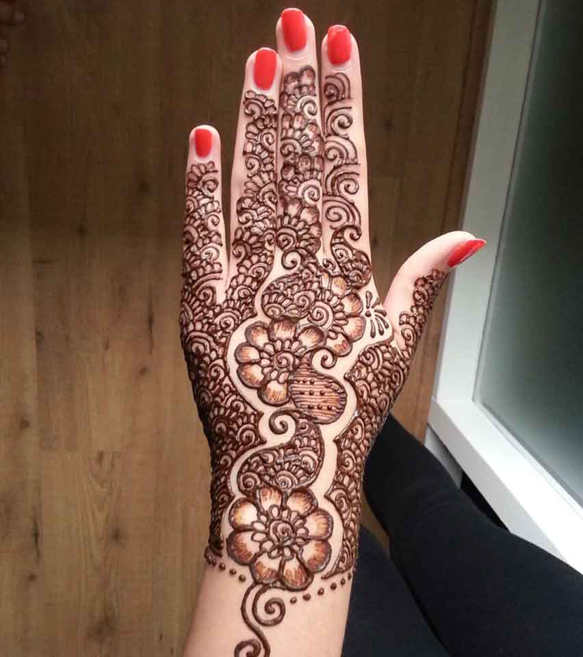 The best mehndi designs for hands livinghours - Blooming Enchantment