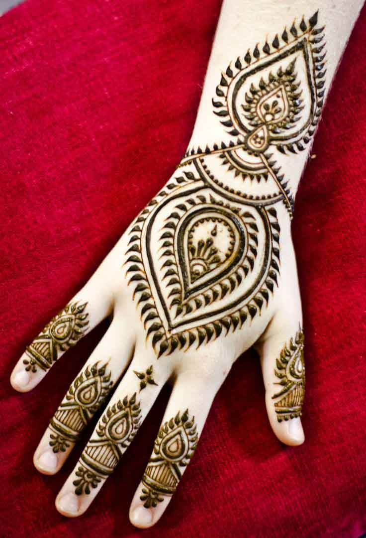 The best mehndi designs for hands livinghours - This New Hybrid Style Is The Result Of Combining The Traditional And Designs Of Arabic Mehandi Sketches Traditional Mehndi Is Complicated And Baritone