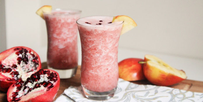 Pomegranate Smoothie with Apple and Carrots