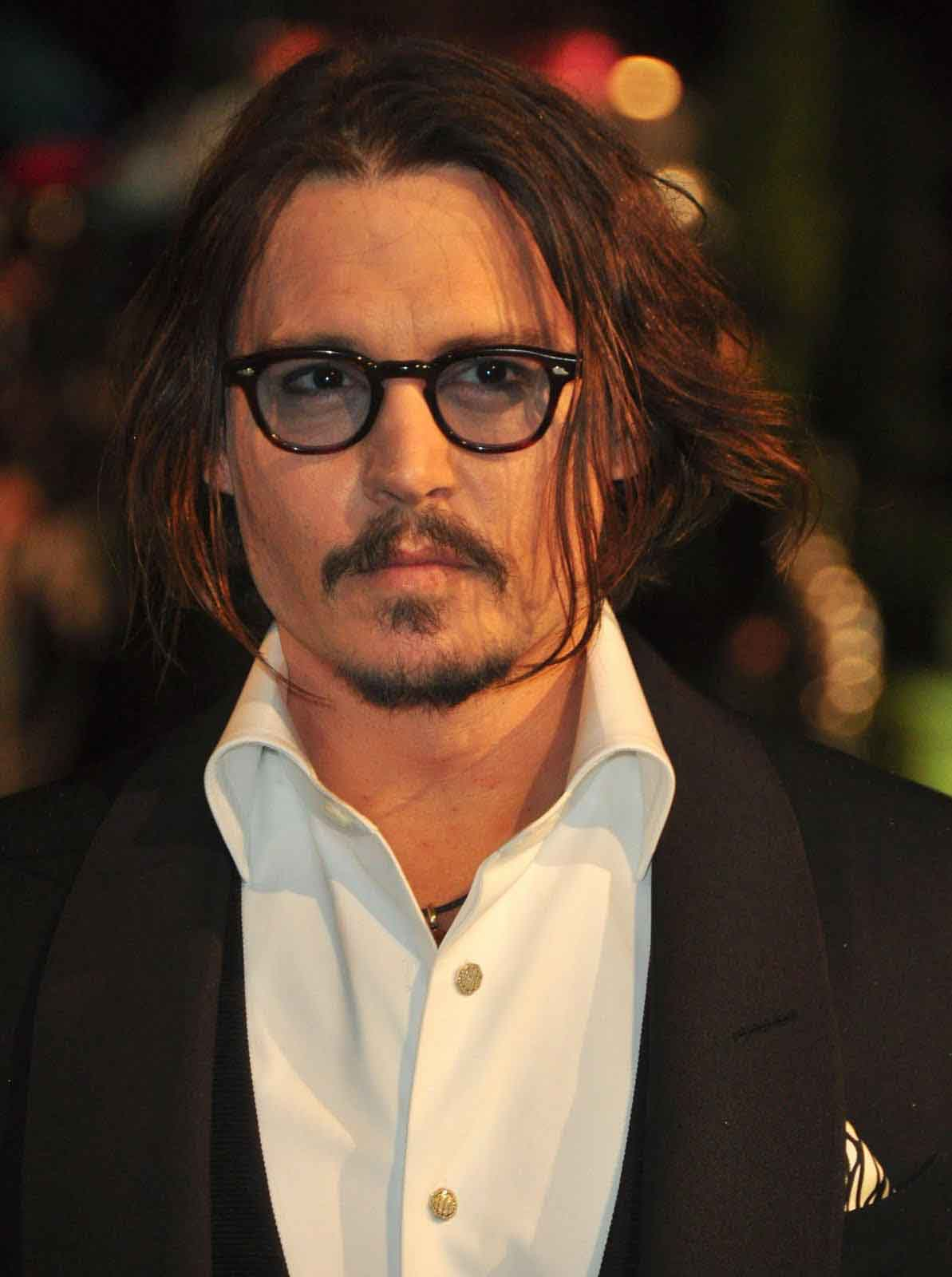 Excellent Johnny Depp Hairstyle Always Cool Amp Awesome Livinghours Short Hairstyles Gunalazisus