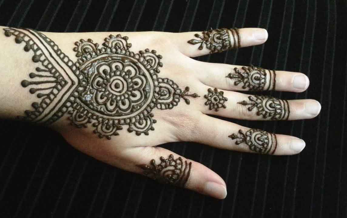 The best mehndi designs for hands livinghours - Tips And Cuffs