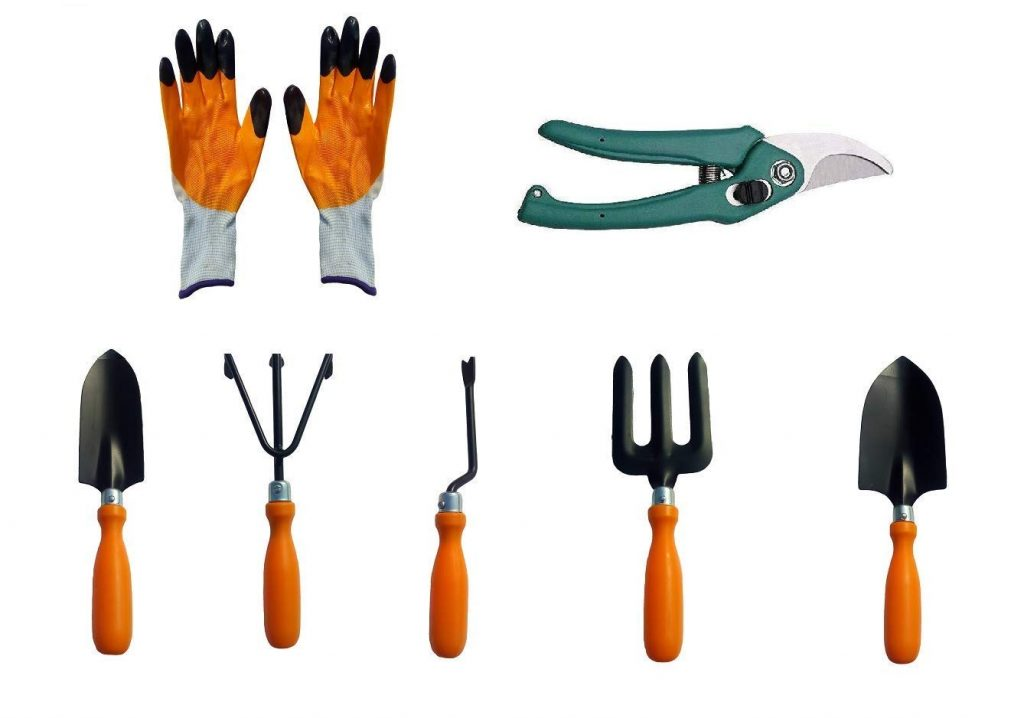 recommended gardening tools for your indoor flowering plants