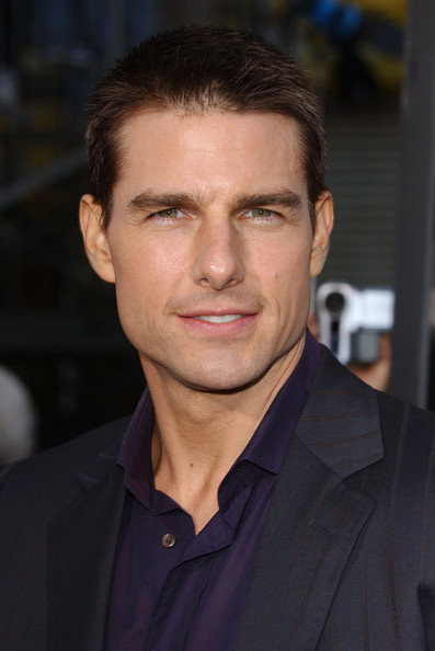 Top 10 tom cruise hairstyles to try out livinghours tom cruise sports short hair in some movies he usually styles his hair in this military hairstyle in action movies tom cruises short hair was seen in urmus Images