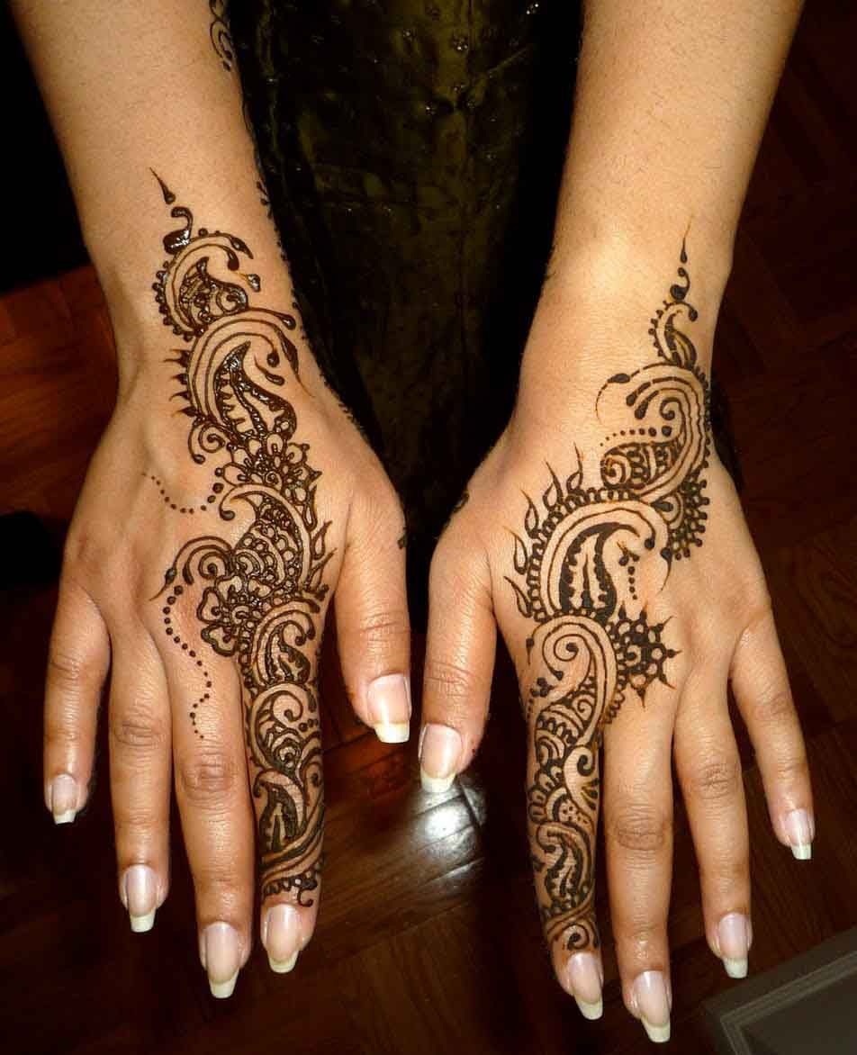 Cute & Delicate Henna Design