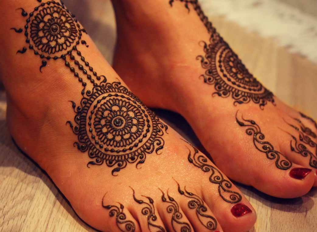 Elegant Henna Foot Designs