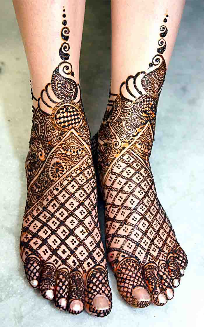Geometrical Henna Pattern with Embellished Edges