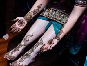 Graceful Arabic Pattern Mehndi