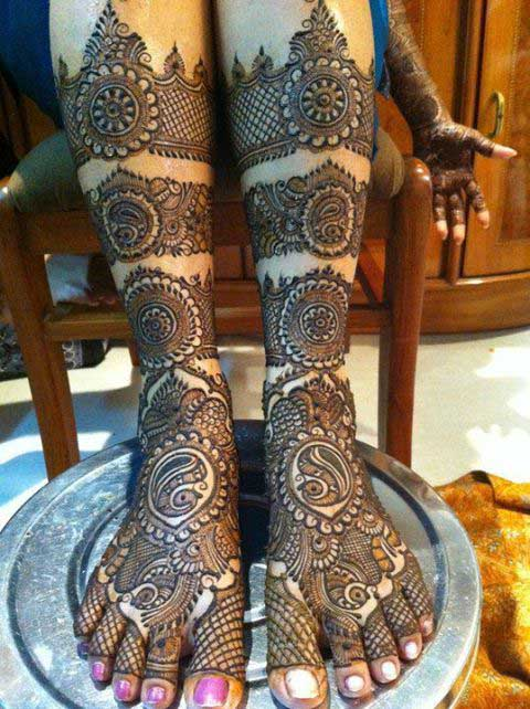 15 Foot Mehndi Designs for Beautiful Feet