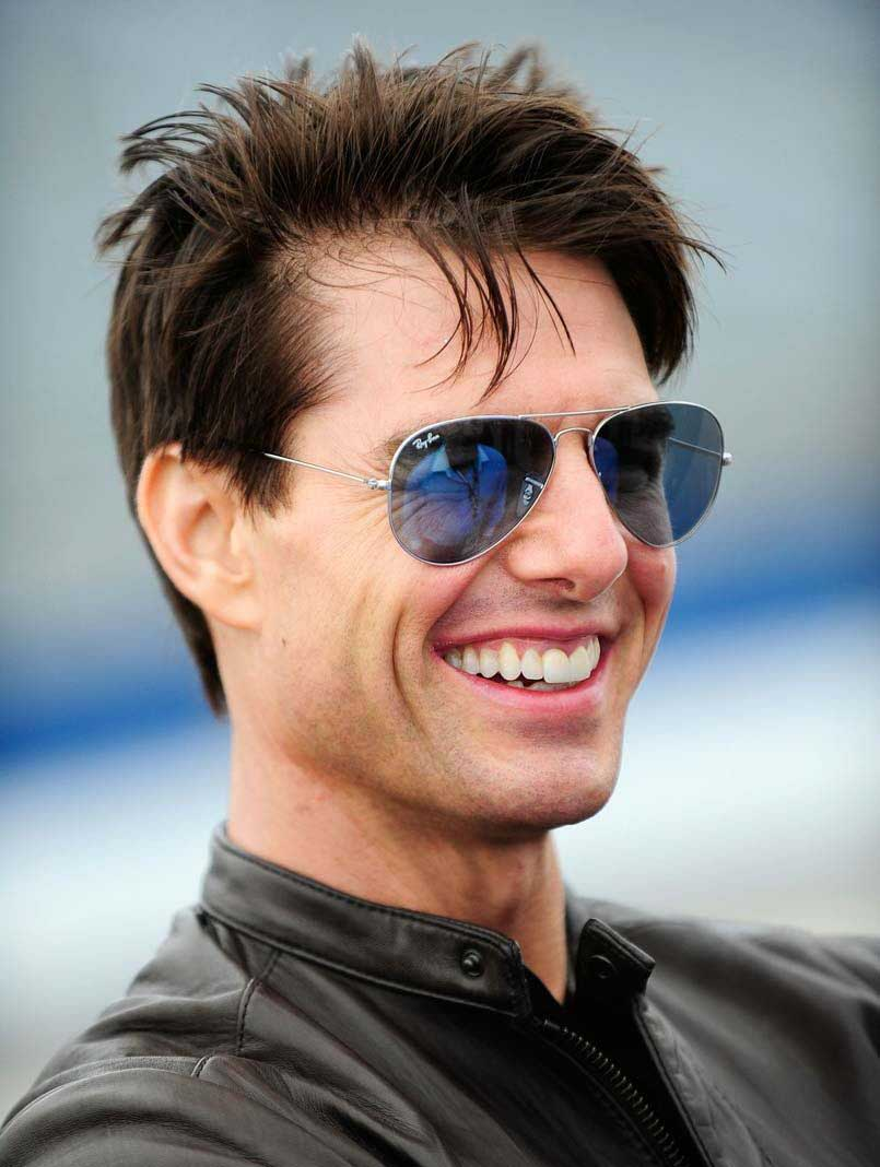 Top 10 tom cruise hairstyles to try out livinghours tom cruise is one actor who keeps experimenting with his hairstyles tom cruise hairstyles are refreshing to look at he loves his hair at varying lengths urmus Images