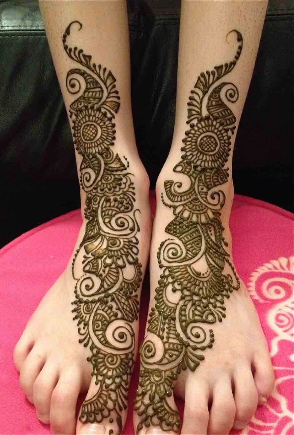 Simple Arabic Mehndi Designs for Legs