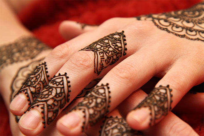 Smart Finger Design Mehndi