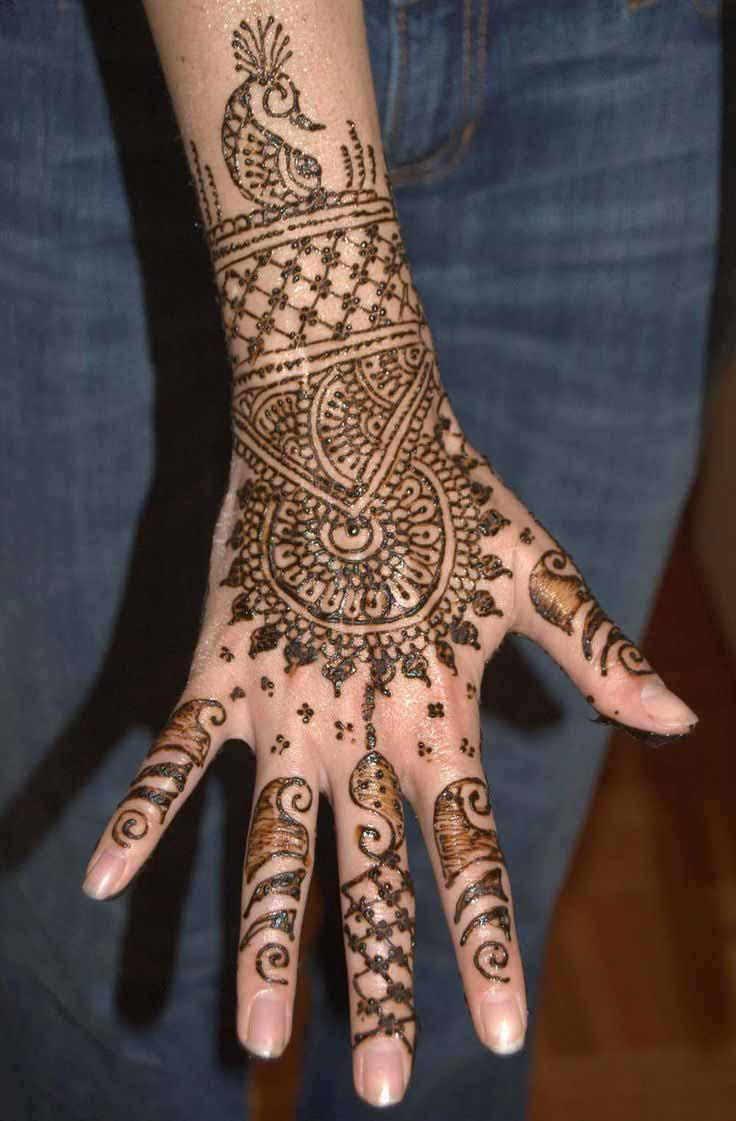 The best mehndi designs for hands livinghours - The Chakra The Chakra Such A Lovely Back Hand Mehndi Design