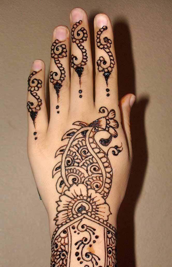 Gorgeous Back Hand Mehndi Designs To Try Livinghours