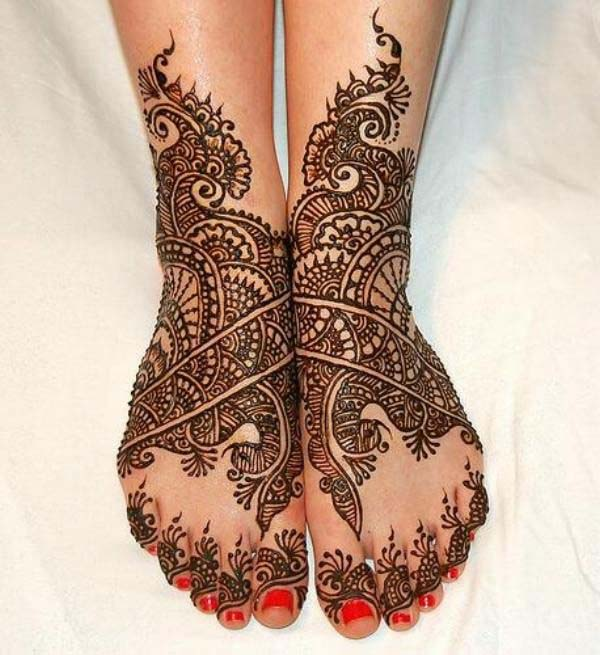 Traditional Foot Mehndi Design