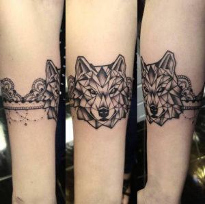 A Wolf Band for Leg
