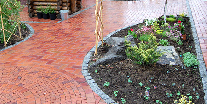 Brick-Garden-Edging