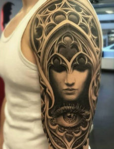 QUEEN EYE TATTOO