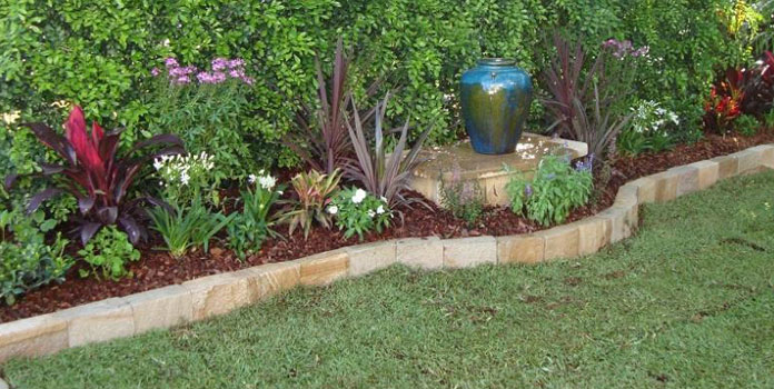 Garden Edging Ideas Adorable 7 Excellent Cost Effective Garden Edging Ideas  Livinghours Design Inspiration