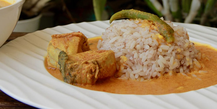 FISH CURRY WITH SOME BROWN RICE