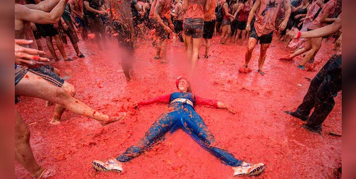 Opposition to La Tomatina