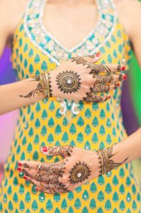 beauitful-eid-mehndi-for-back-hands