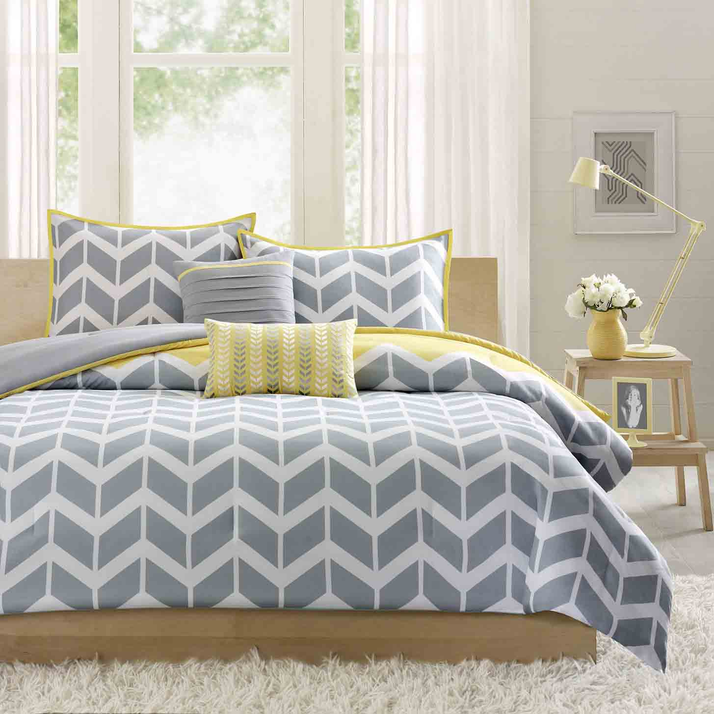 cheerful-gray-and-yellow-bedroom