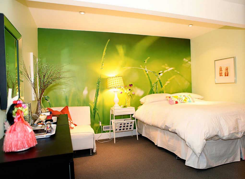 Cheerful green wallpaper design. 16 Stunning Bedroom Wallpaper Ideas That Will Transform Your Bedroom
