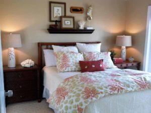 classic-coastal-beach-style-bedroom