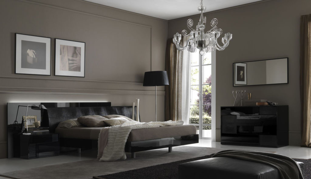 classic-grey-bedroom-design