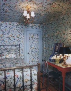 flower-filling-bedroom-wallpaper
