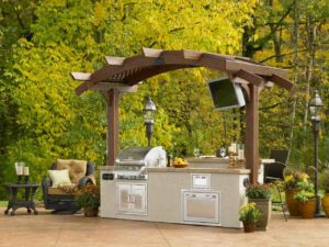 leafy-outdoor-kitchen