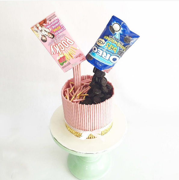 oreo-pocky-air-cake