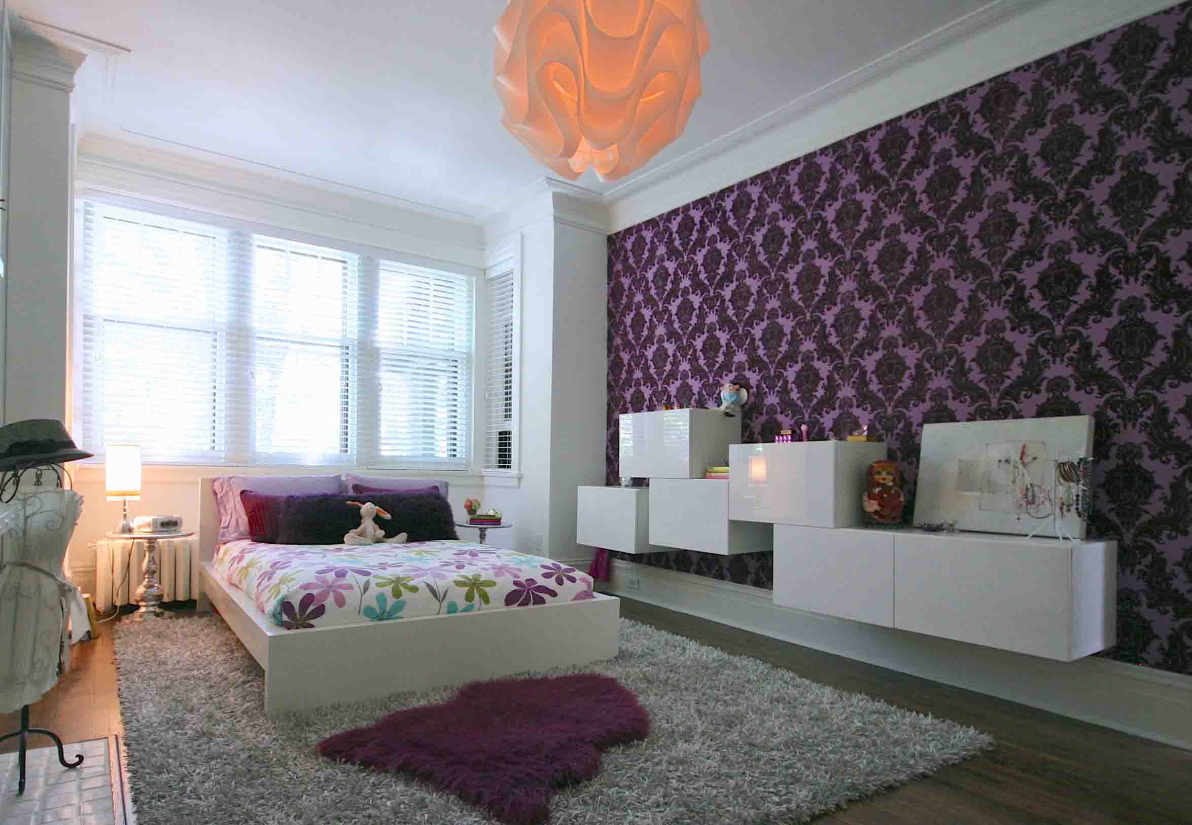 Purple Abstract Bedroom Wallpaper Idea