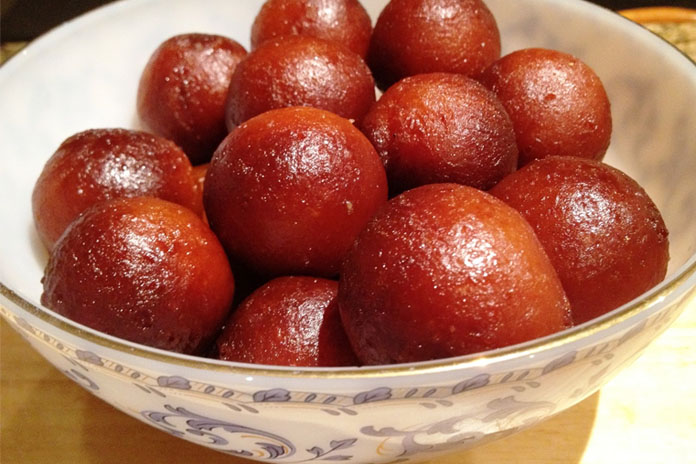 a-big-bowl-of-gulab-jamuns-to-your-friend-on-dieting