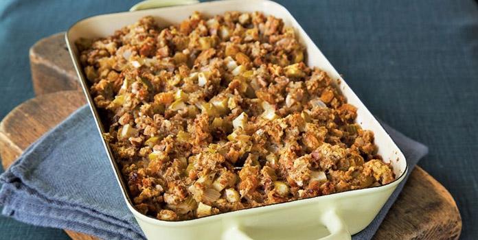 apple-raisin-stuffing thanks giving food