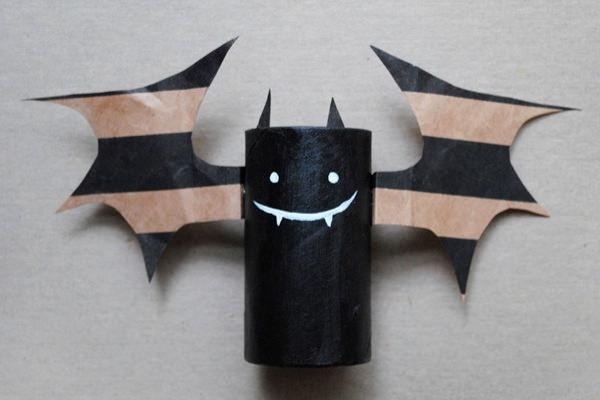 easy-and-fun-halloween-crafts-for-kids-bat
