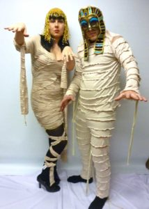 egyptian-mummy-couple-halloween-costume