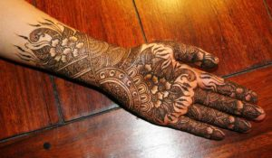 flower-karwachoth-mehndi-design