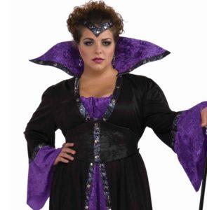 morticia-addams-halloween-costume