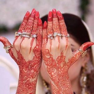 red-karva-choth-mehndi