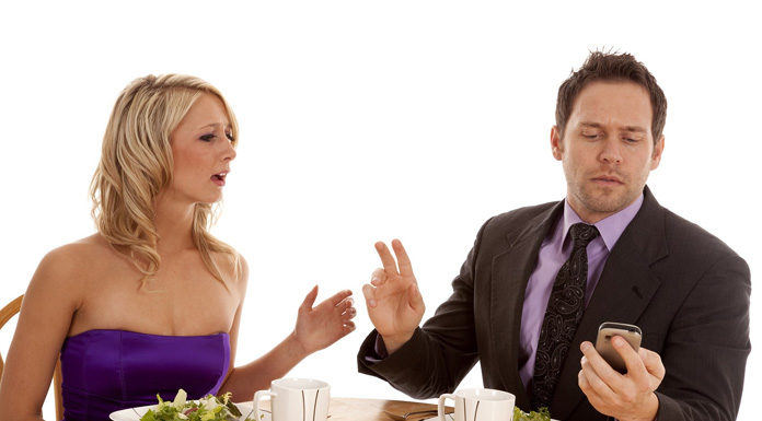 signs-you-are-surely-dating-a-wrong-guy