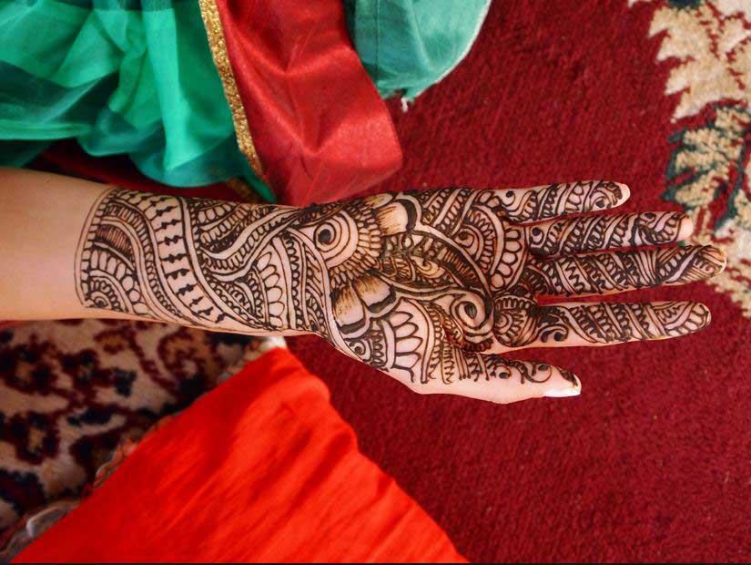 Mehndi Traditional Designs : Spellbinding karva chauth mehndi designs livinghours
