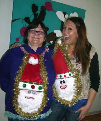 couple-ugly-christmas-sweater13