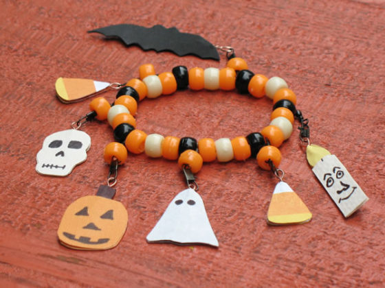 halloween-craft-ideas-for-kids-bracelet_ejfozm