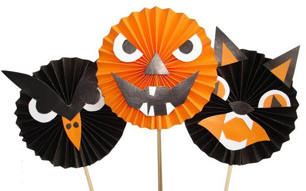 handmade-halloween-decorations-kids-crafts