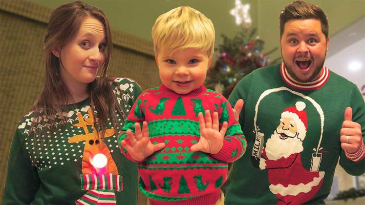kids-amazing-christmas-sweater11