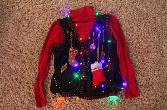 light-christmas-sweater19